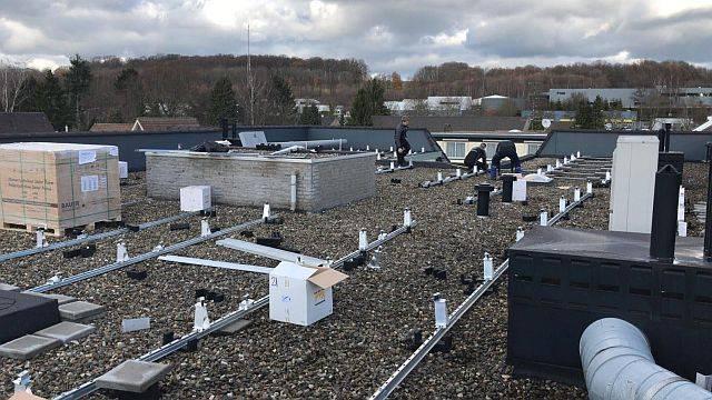 Amperum VVE dak met Bauer panelen en 30 jaar garantie