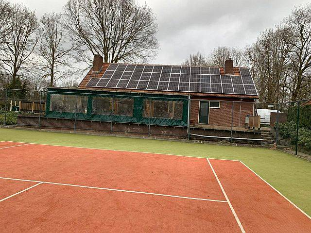 Amperum zonnepanelen bij tennisvereniging de Grensmeppers in Stramproy