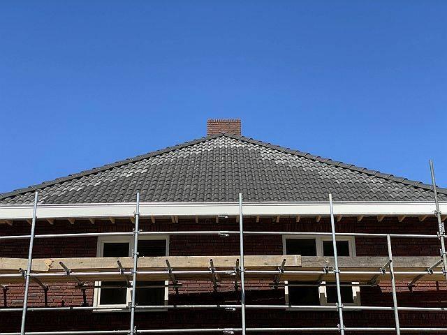 Amperum nieuwbouw woning met schild dak voordat zonnepanelen geplaatst zijn